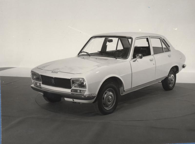 504_Peugeot_Garage_site_(1)