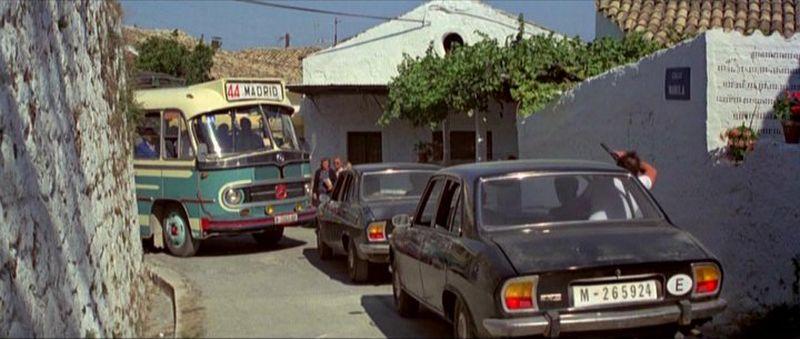 504_Peugeot_Garage_site_Filme_007_Rua