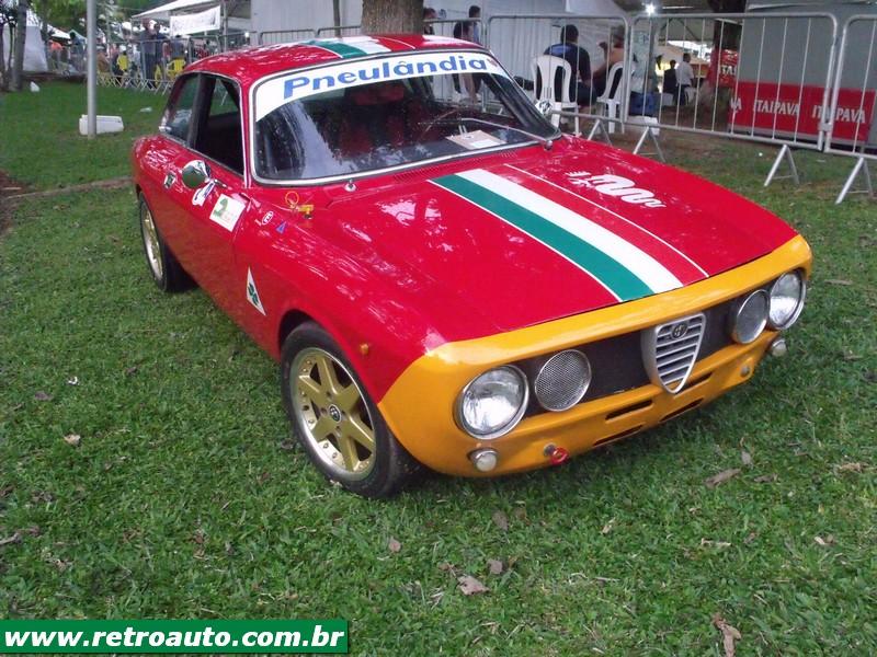 Alfa_Romeo_Bertone_Giulia_Site_(5)