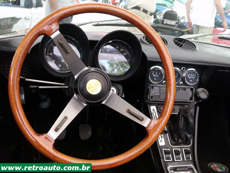 Alfa_Romeo_Bertone_Giulia_Site_(63)