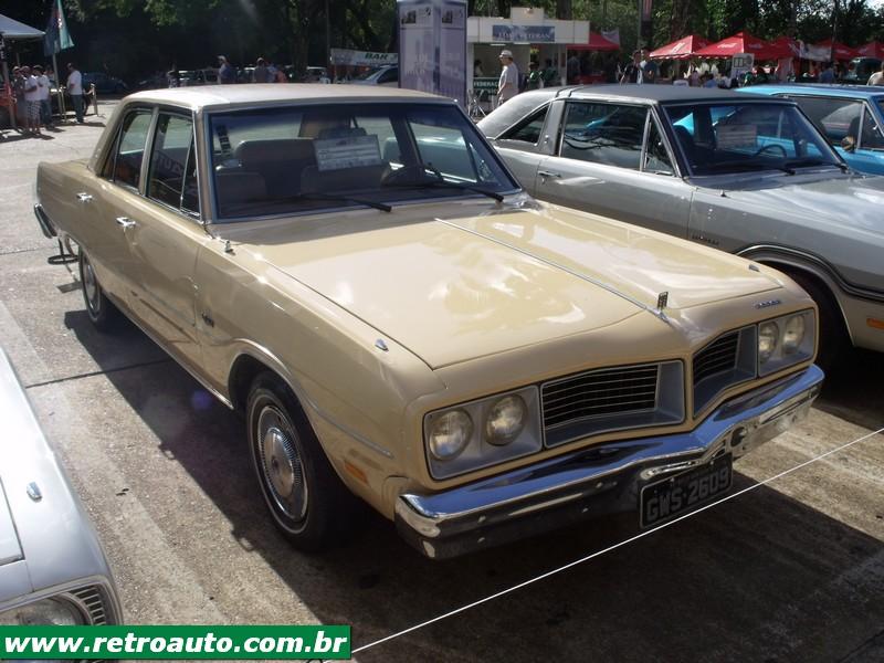 Chrysler_Dodge_Dart_Chager_Garage_(12)