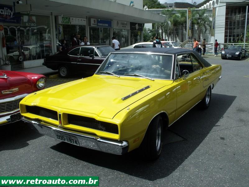 Chrysler_Dodge_Dart_Chager_Garage_(41)