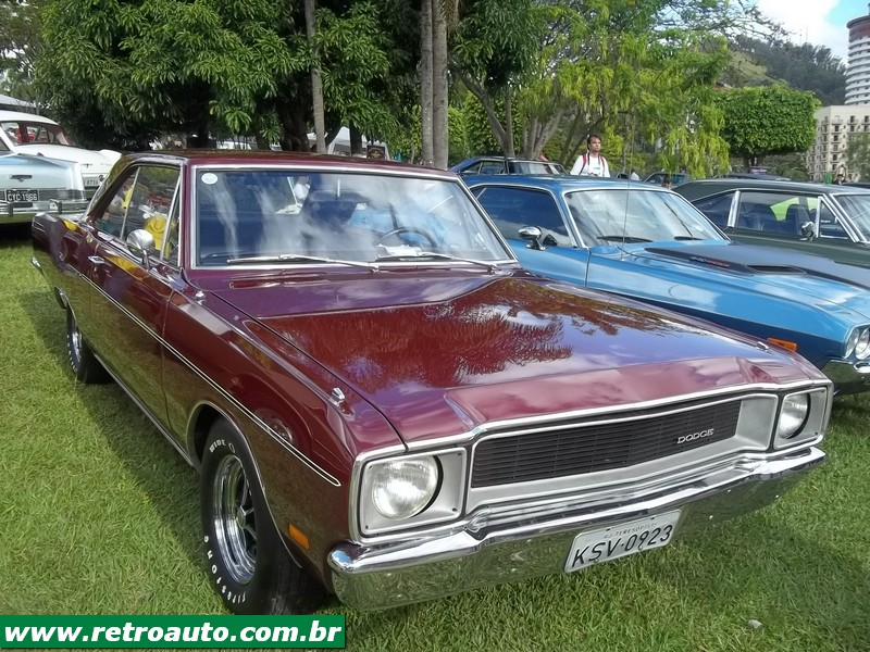 Chrysler_Dodge_Dart_Chager_Garage_(59)