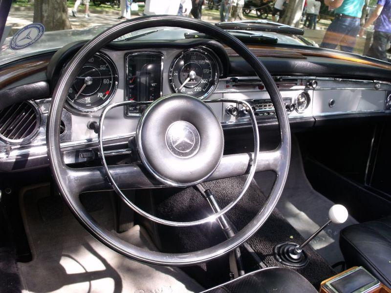 Mercedes_SL_Site_Garage_Artigo_Autoclassca_Pagode_Painel