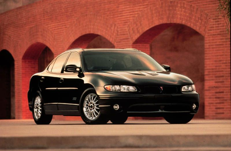 Pontiac_Grand_Prix-_2001
