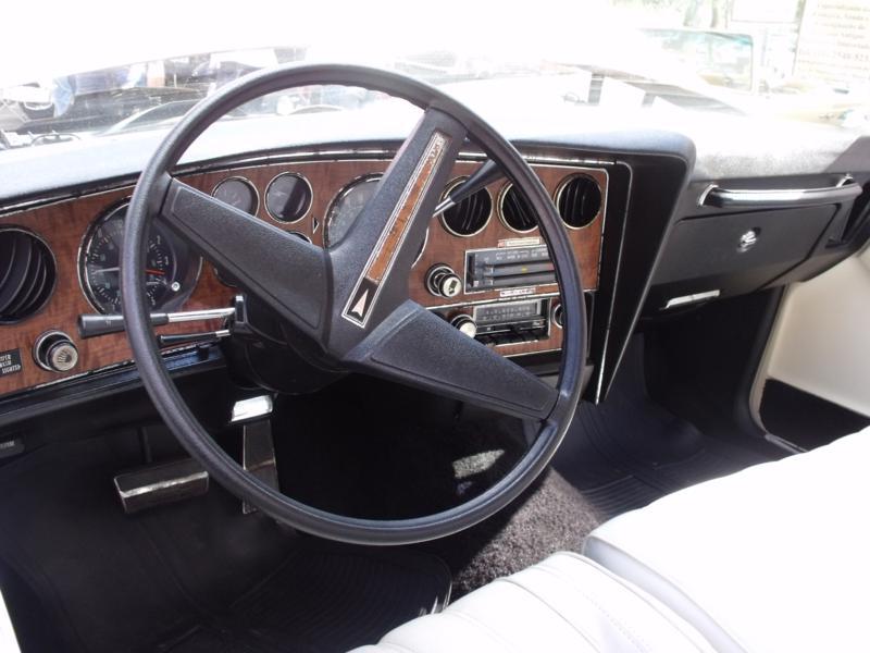 Pontiac_Grand_Prix_Site_Garage_Araxa_2_dia_308_(2)