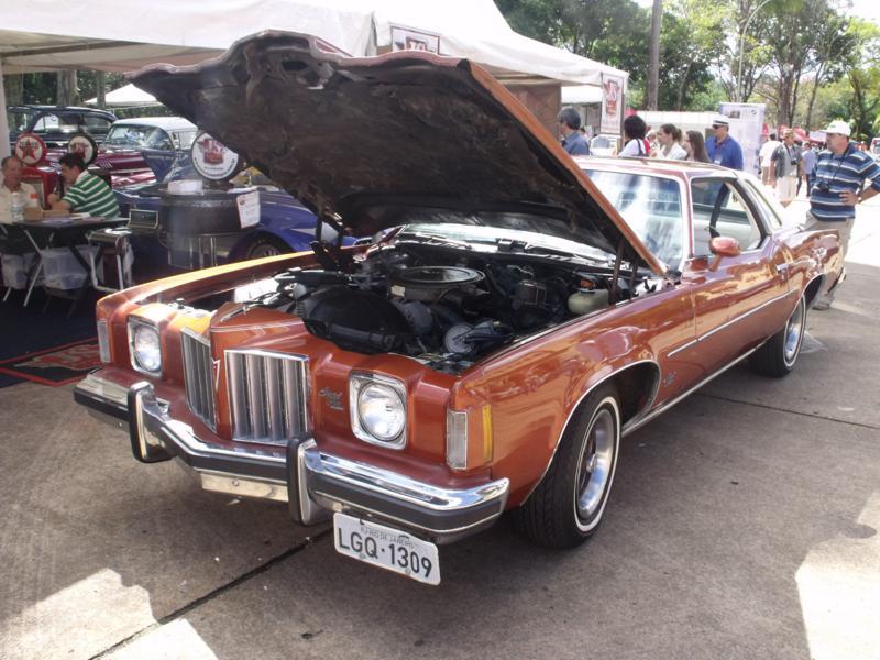 Pontiac_Grand_Prix_Site_Garage_Araxa_2_dia_308_(3)