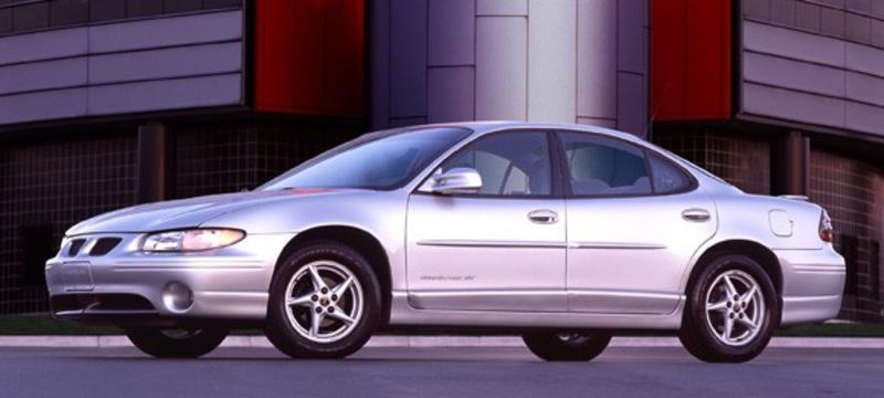 Pontiac_Grand_Prix__Site_Garage_-_2003