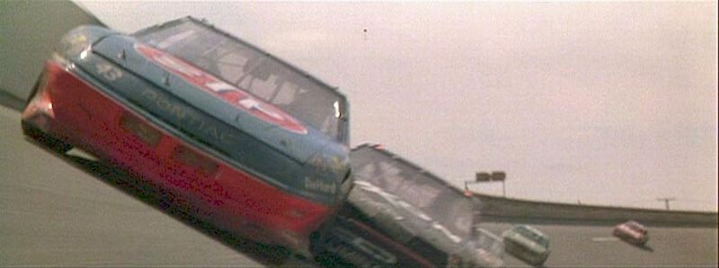 Pontiac_Grand_Prix_in_Days_of_Thunder_1990_telas_Site_Garge_curva